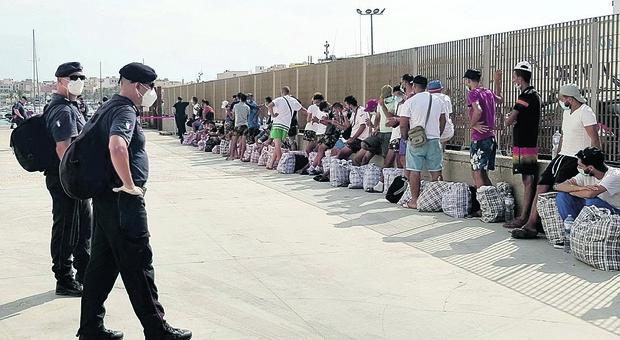 Migranti. Základem gangu bylo obchodování s lidmi mezi Milánem a severovýchodem