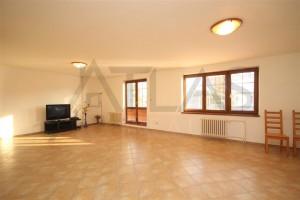 Pronájem rodinného domu 6+1 295 m2 Praha 4 - Šeberov