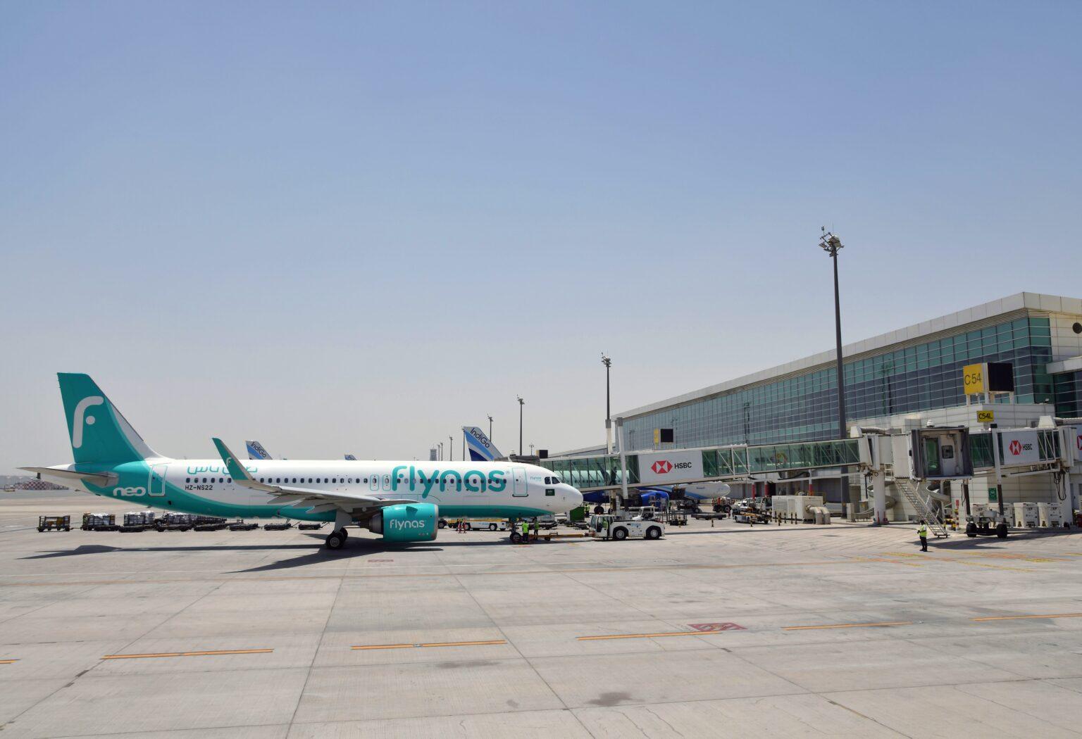 Terminál 1 dubajského mezinárodního letiště vítá první cestující za 15 měsíců